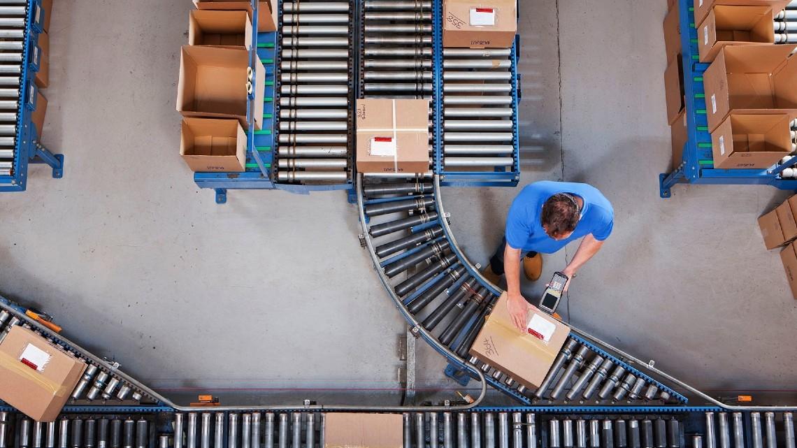 Como a gestão moderna de armazém oferece excelência operacional