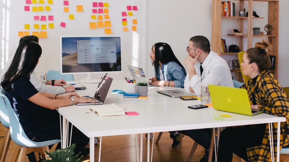 Empresas apostam na formação de colaboradores como motor da inovação
