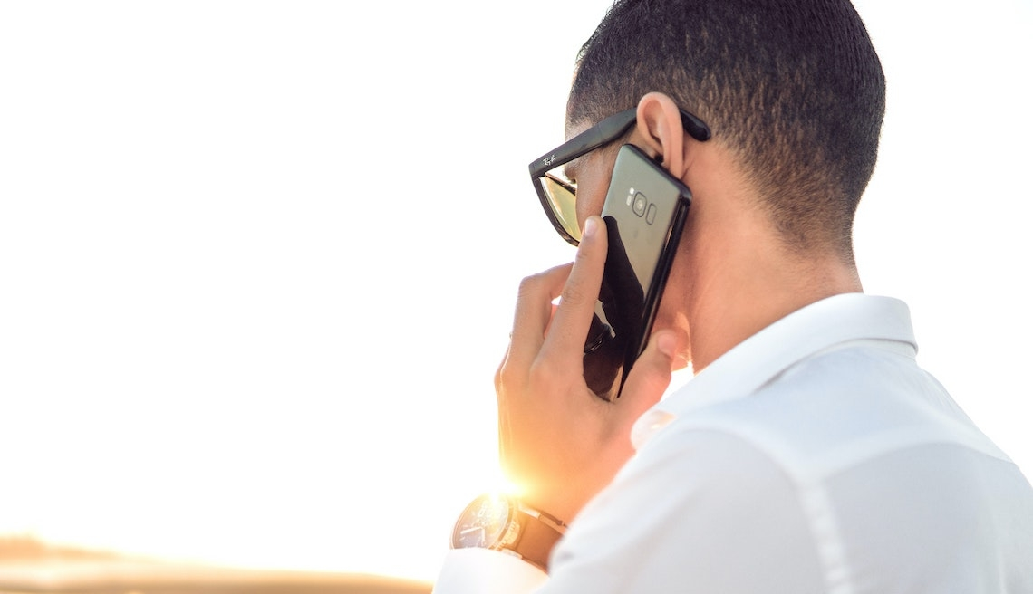 FBI alerta empresas sobre aumento de esquemas de phishing por chamadas de voz
