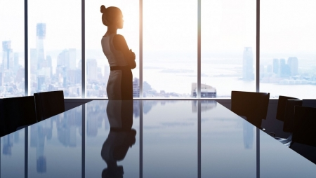 Plataforma digital liga mulheres a oportunidades de trabalho flexíveis através de inteligência artificial