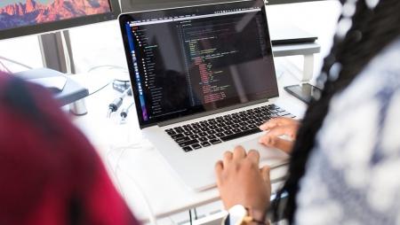 Os aspetos mais valorizados pelas mulheres no setor tecnológico