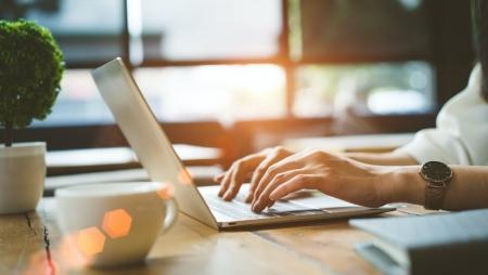 Reforçada formação online e gratuita