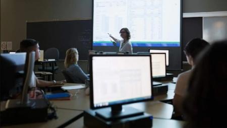 Capacitar professores e alunos com soluções baseadas na cloud