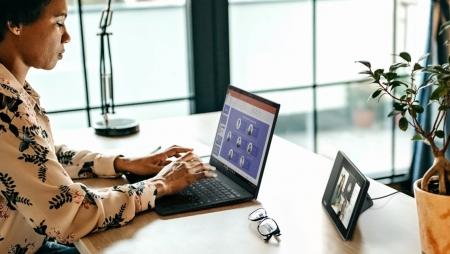 Capacitar funcionários através de tecnologia permite impulsionar retornos