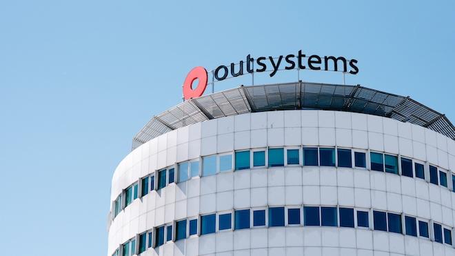 OutSystems reconhecida em categorias de mercado da Gartner Peer Insights