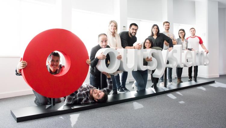 OutSystems nomeada líder em plataformas low-code