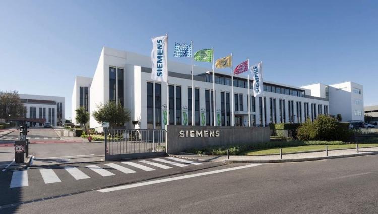 Siemens quer reforçar equipa de IT