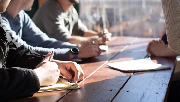 Maioria dos trabalhadores espera que os empregadores os ajudem a melhorar a qualificação