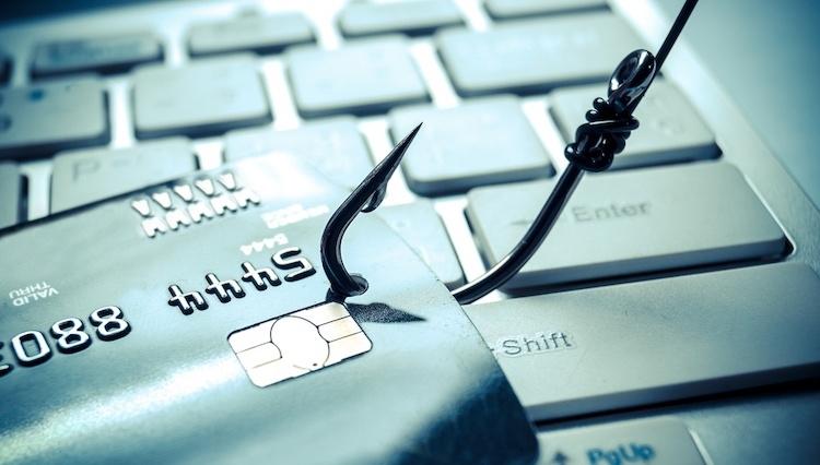 Cibercriminosos roubam 1,3 milhões de dólares em transferências bancárias