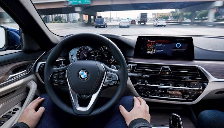 BMW assina acordo com a DXC Technology para acelerar o desenvolvimento de um carro sem condutor